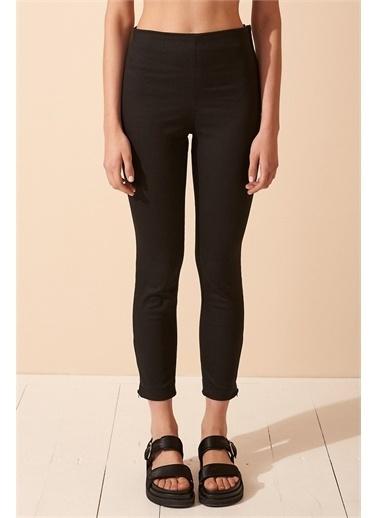 Never More Paçası Fermuarlı Pantolon Siyah